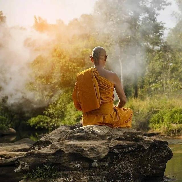 Как медитируют тибетские монахи - практики ваджраяны