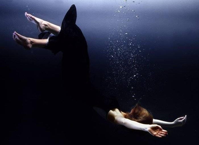 Что означает видеть тонущего человека во сне: 40 толкований