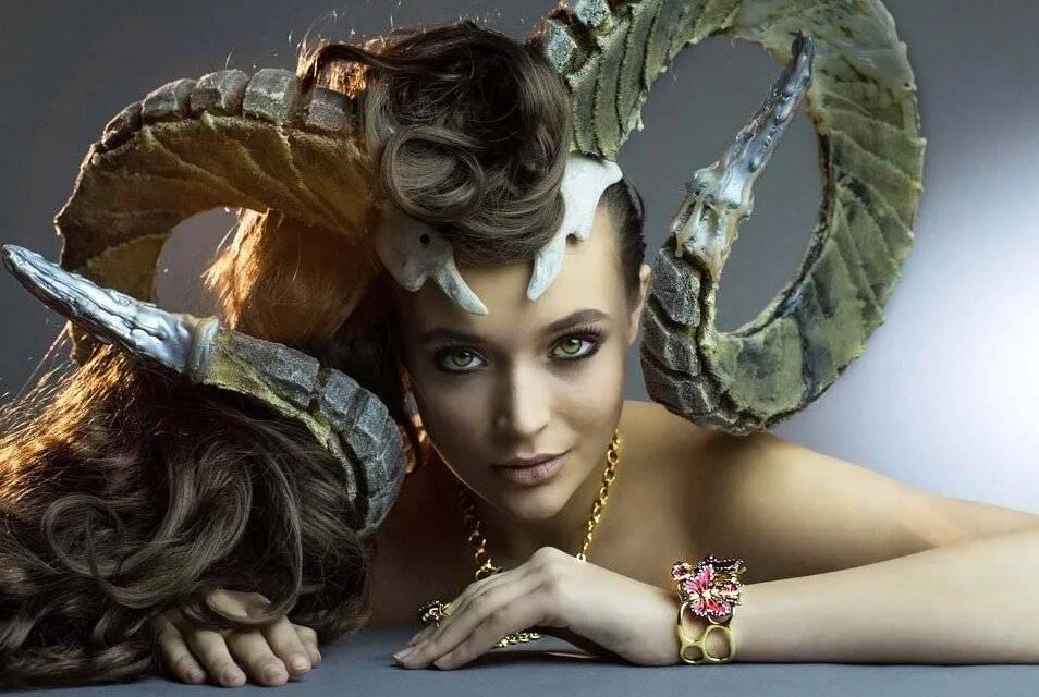 Женщина козерог: характеристика  девушек и гороскоп знака зодиака, какой у нее характер и как ее завоевать
