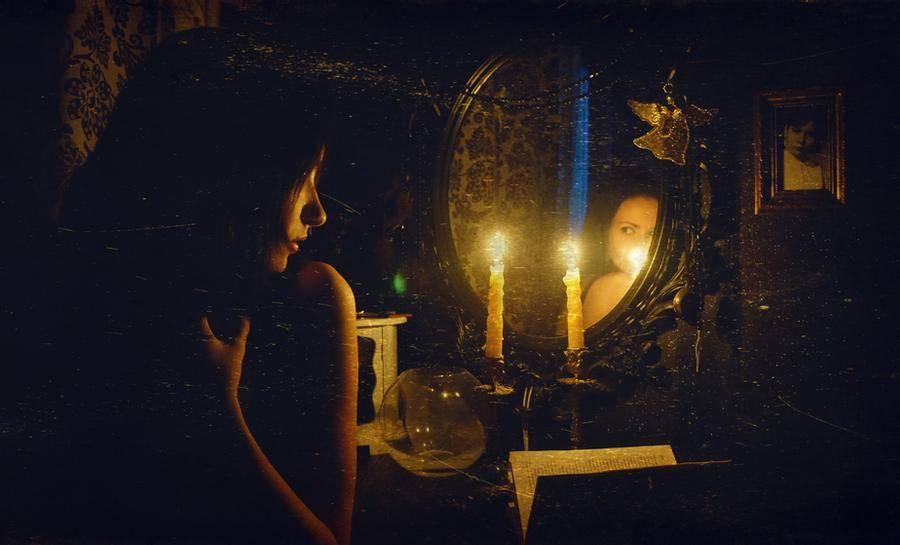 Гадание на зеркале: особенности зеркальных обрядов, на суженого, на будущее   мир магии
