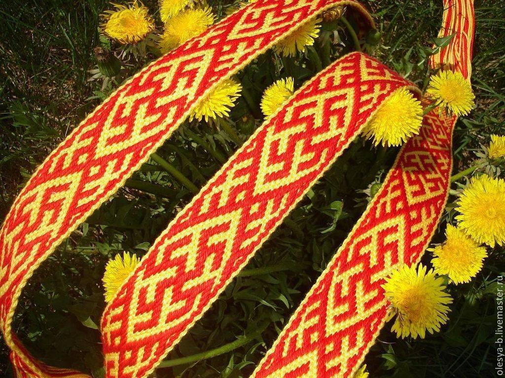Волшебные травы на руси. какие травы считались на руси магическими? магические свойства и значение трав в фольклоре: цветок папортоника (перунов цвет) и одолень трава, плакун-трава, чертополох, сон-трава, перелет-трава.