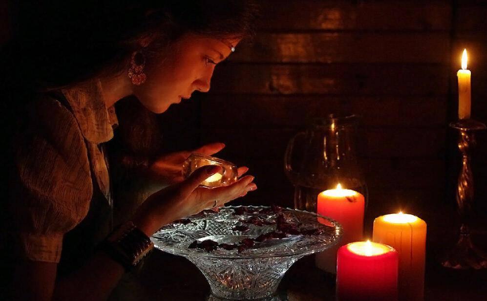 Гадание на воде, воске, свечах и кольце: топ 10 гаданий