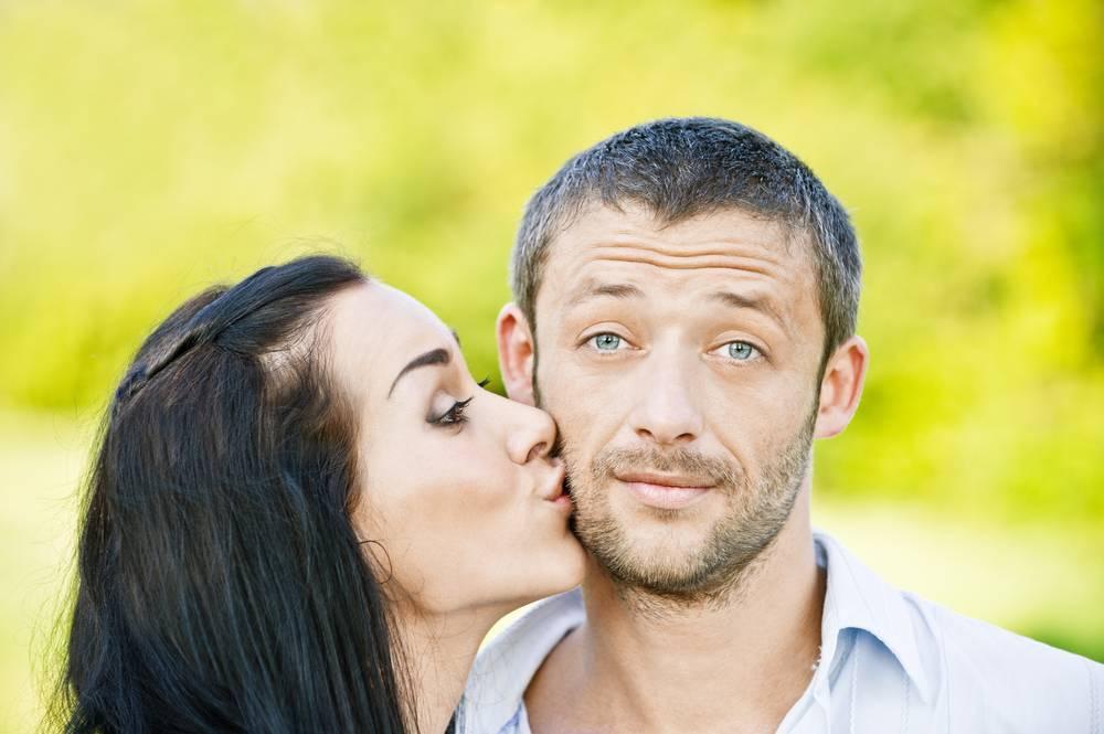 Поцелуй в щеку с бывшим парнем