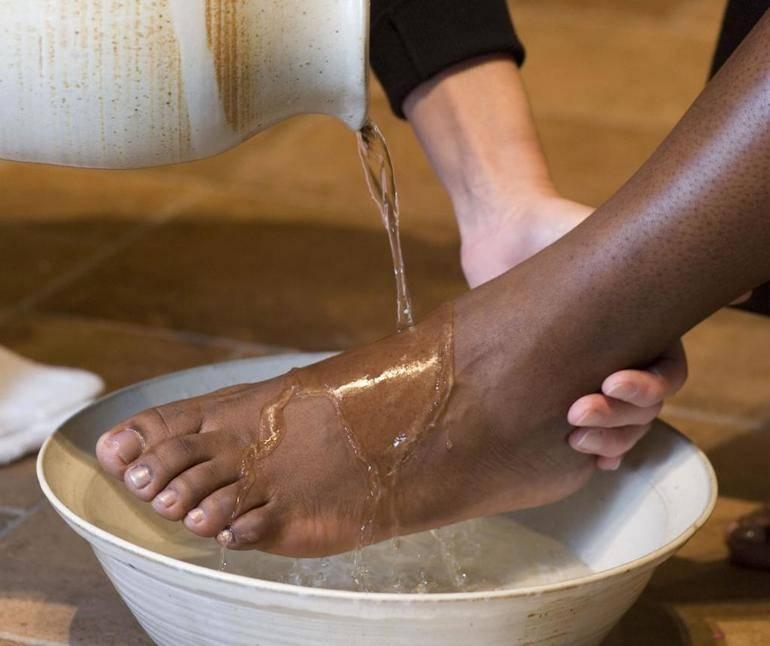 Сонник мыть обувь в чистой воде
