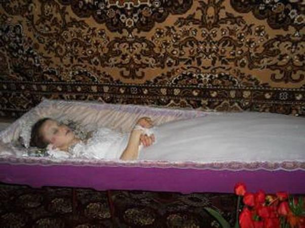 К чему снится мать по соннику? видеть во сне мать  - толкование снов.
