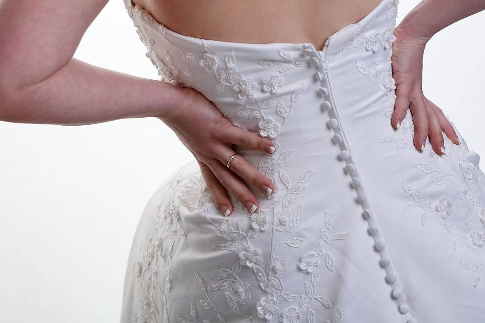 Цвет свадебного платья – приметы? , соблюдаемые в [2019] & какое должно быть и как выбрать оттенок для второго брака