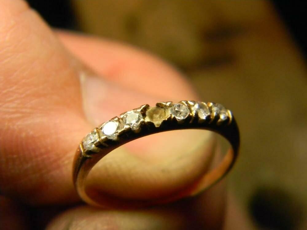 Примета, если камень выпал из кольца