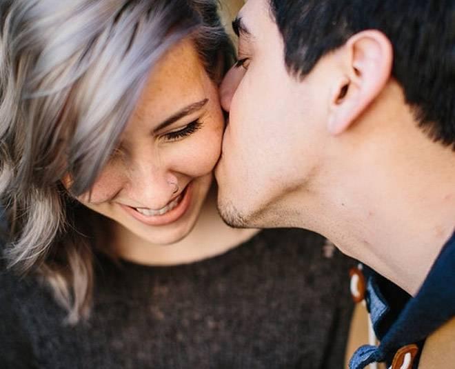 К чему снится поцелуй по соннику? видеть во сне поцелуй  - толкование снов.