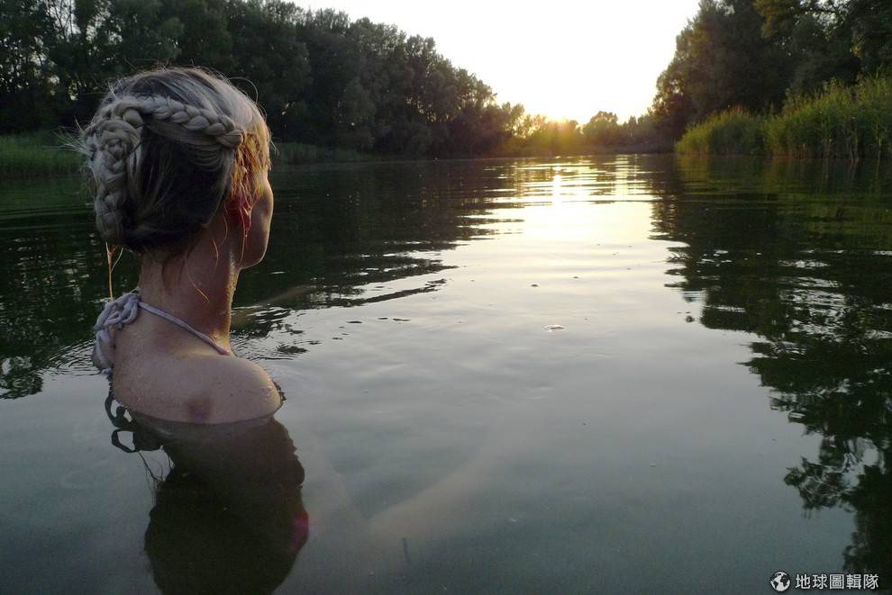 Бурна река