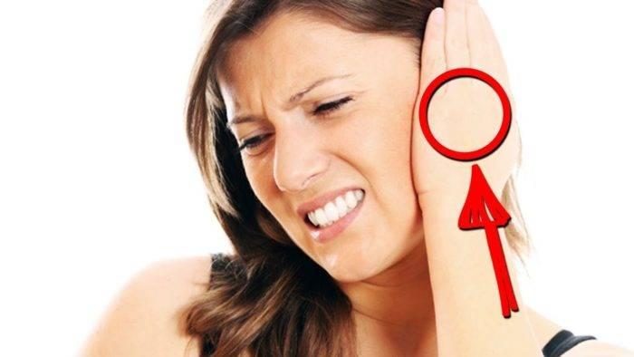 К чему горят уши: приметы по дням недели, времени суток, для женщин и мужчин
