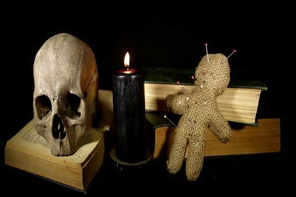 Как делается порча на смерть магией вуду?для чего нужна кукла или вольт?как ее снять?