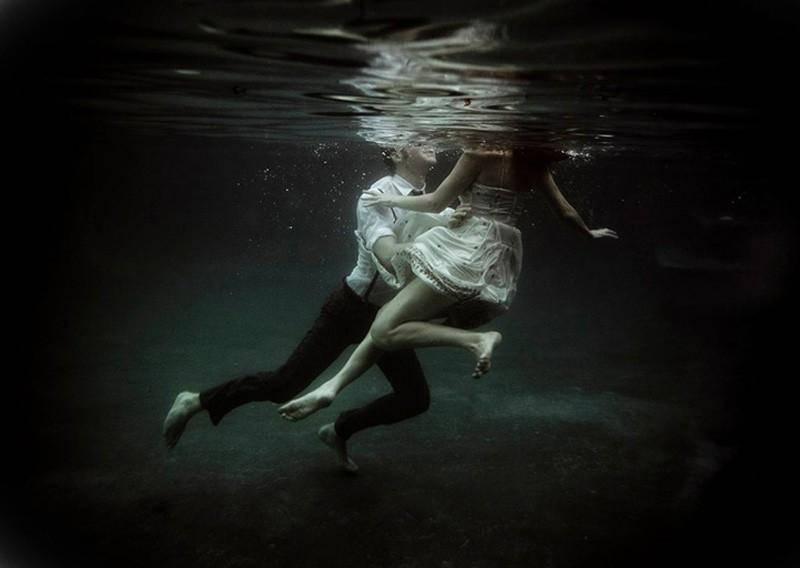 К чему снится тонуть: в воде, грязи. приснилось спасать тонущего
