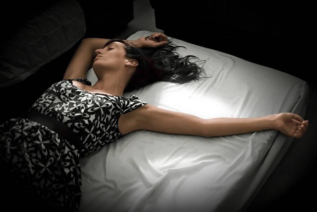 К чему снится пьяная девушка