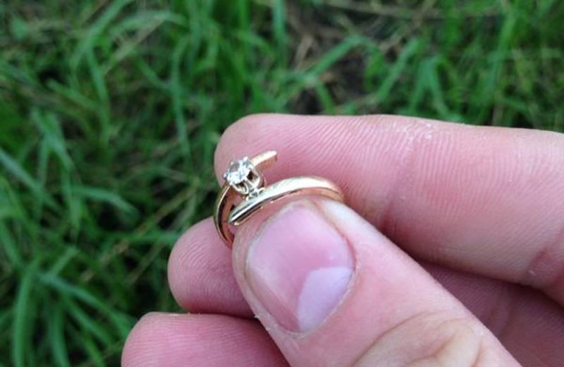 Потерять обручальное кольцо: приметы мужчине и женщине, что будет с браком