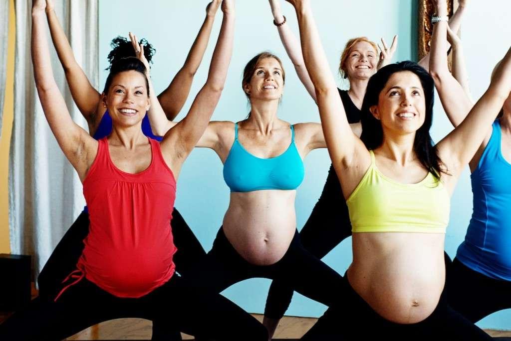 Почему нельзя поднимать руки вверх при беременности