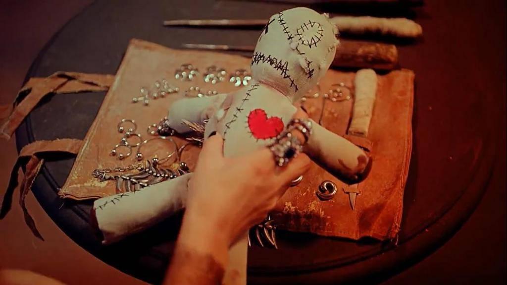 Сильная кукла вуду на человека, создаём своими руками