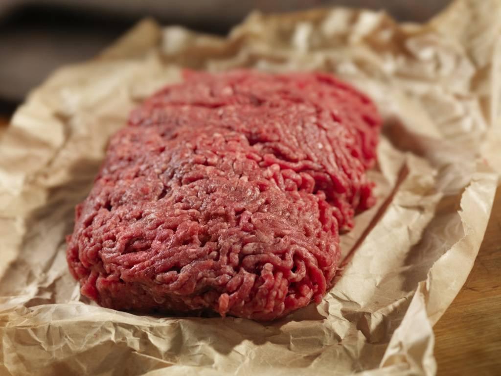 Делают фарш из человеческого мяса