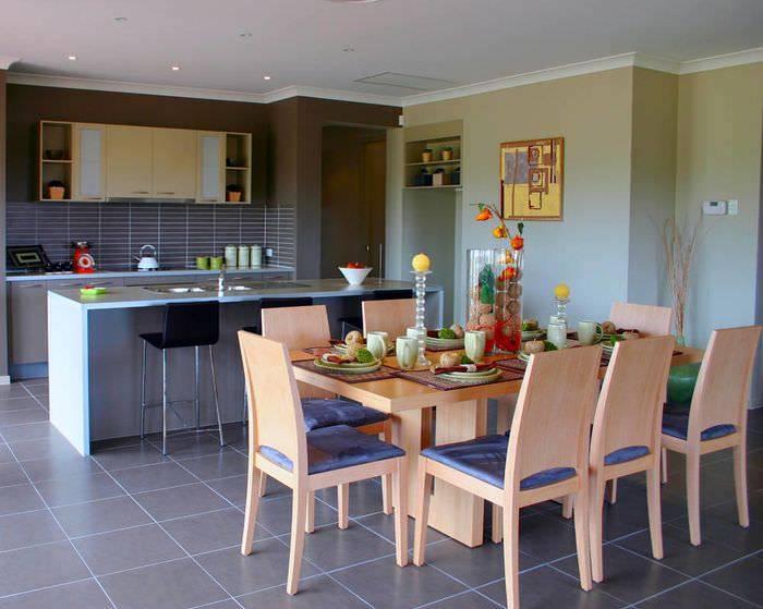 Запреты, рекомендации по расстановке предметов в кухонном пространстве, цвет в зависимости от расположения
