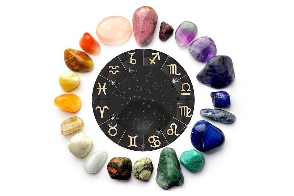 Камни талисманы - какие бывают, свойства, как использовать