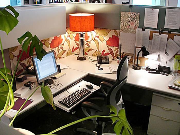 Фен-шуй на работе — как сидеть и что поставить на рабочий стол