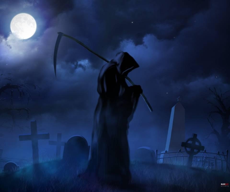 Смерть с косой за спиной