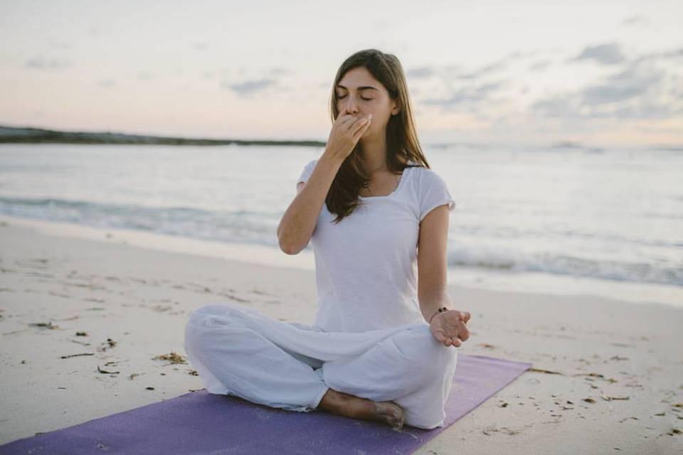 Почему во время медитации качает как маятник??