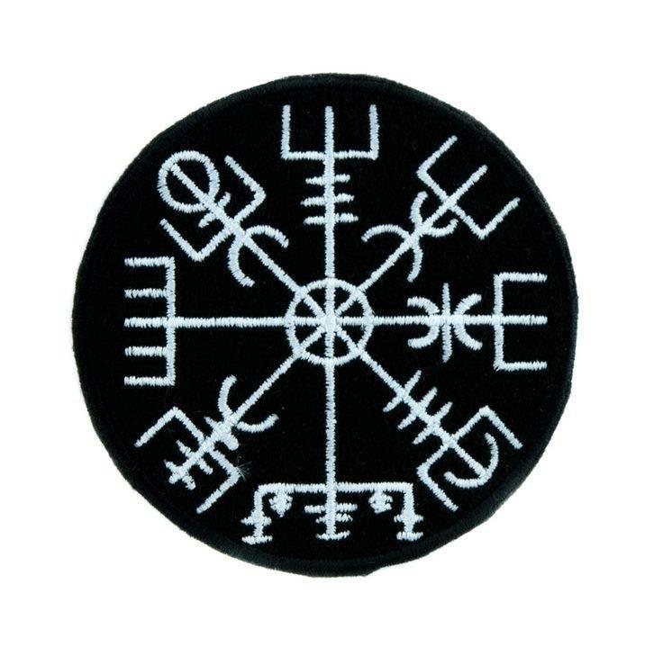 Скандинавские рунические татуировки и их значение.