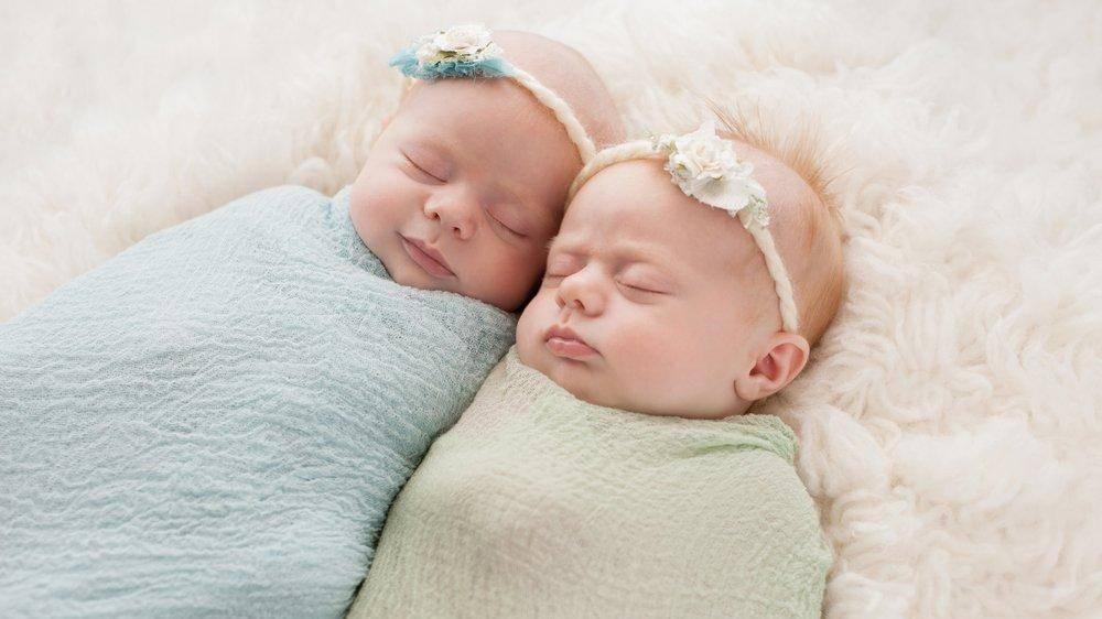 К чему снится беременность двойней? толкование по 44 сонникам