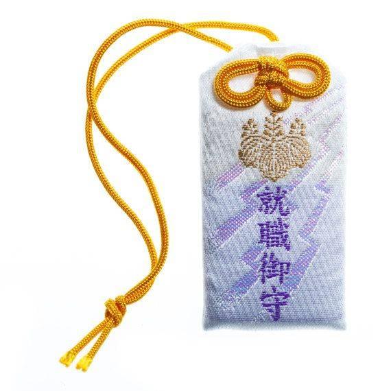 Японские обереги: описание талисманов страны восходящего солнца, изготовление амулетов самостоятельно, очистка и активация