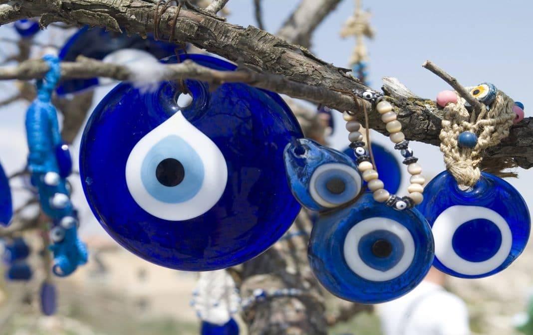 Оберег глаз фатимы: значение, как пользоваться, фото
