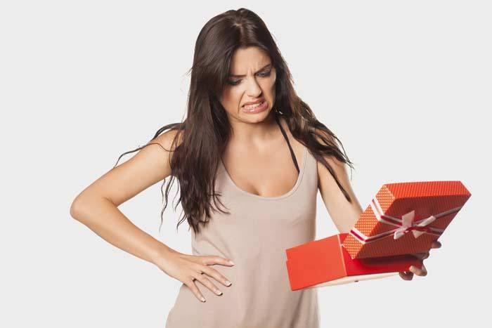 Какие подарки нельзя дарить — приметы и суеверия