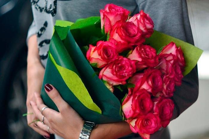 О каких чувствах расскажет подаренный букет роз: значение цветов и количества роз :: инфониак