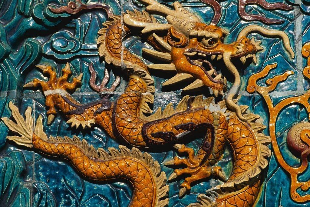 Значение драконов в китайской мифологии, внешний вид и традиции с ними связанные