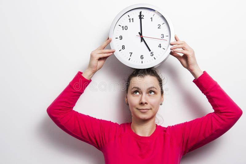 Споткнуться на правую ногу: значение приметы по дням недели и времени суток