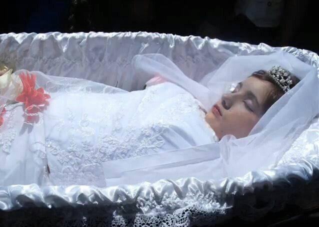 К чему снится умершая мама живой (видеть во сне, разговаривать) – сонник