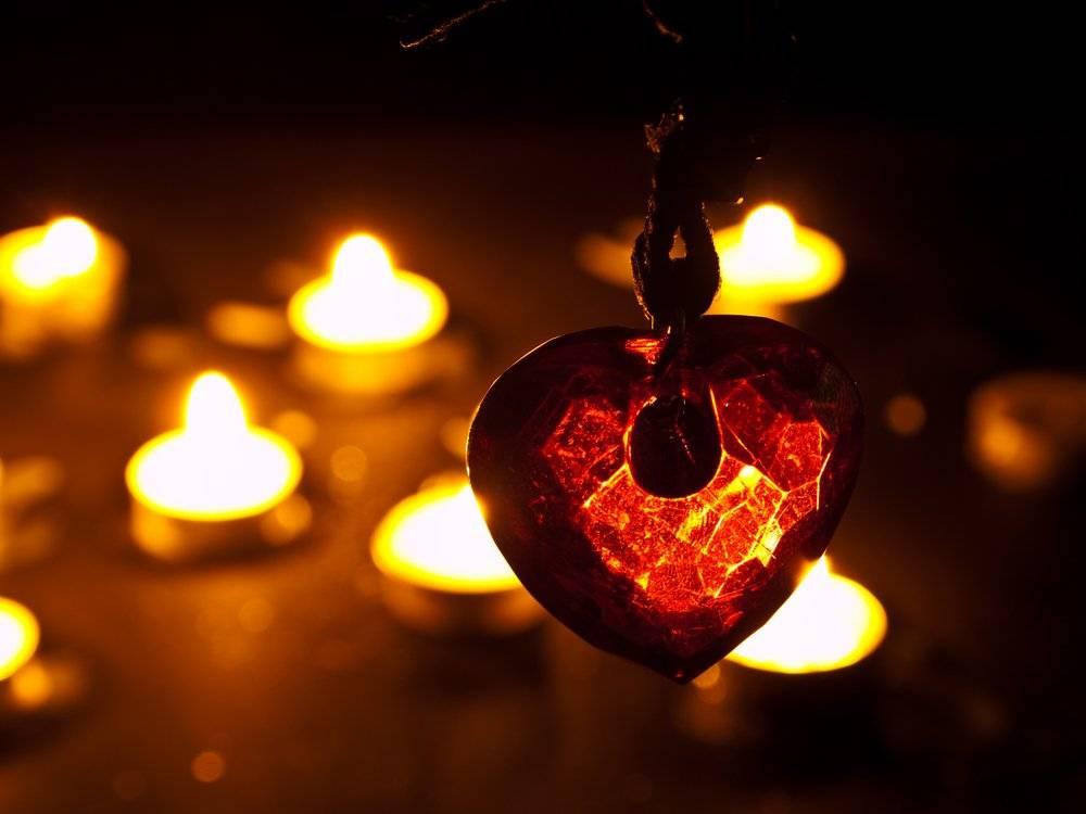 Ритуалы на новолуние: 15 самых действенных способов привлечь любовь