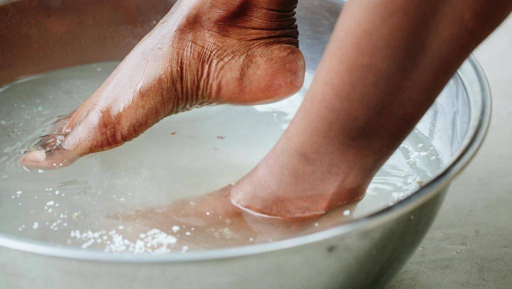 Сонник мыть ноги от грязи. к чему снится мыть ноги от грязи видеть во сне - сонник дома солнца
