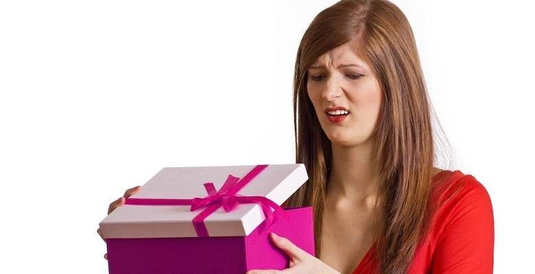 Какие подарки нельзя дарить никому и почему?