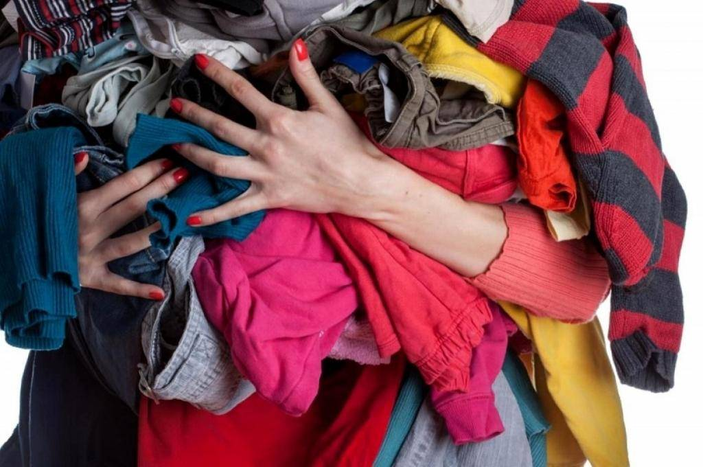 Как, зачем и чем стирать одежду, вещи и обувь из секонд-хенда