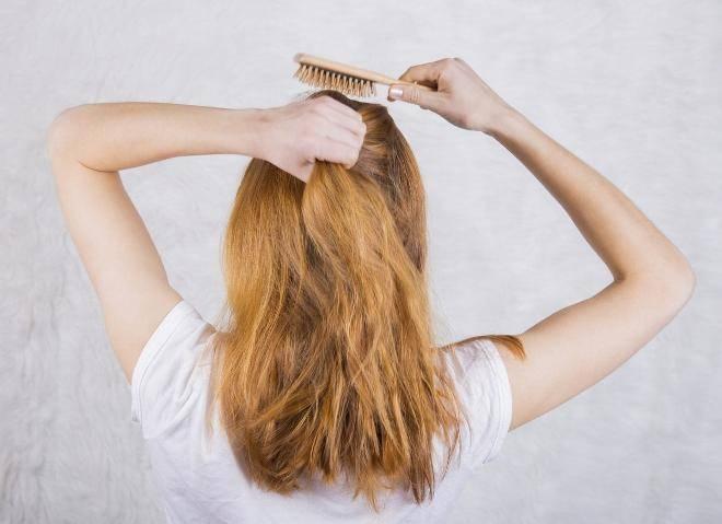 Мыть и выжимать волосы длинные