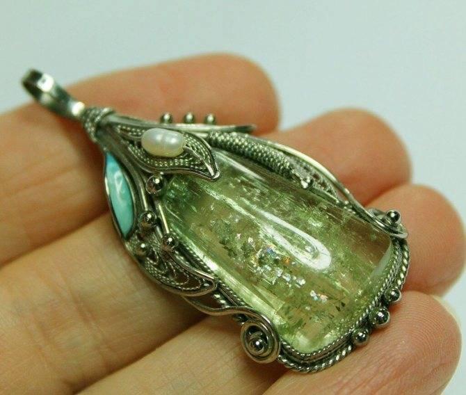 Камень берилл: свойства, фото и кому подходит по знаку зодиака