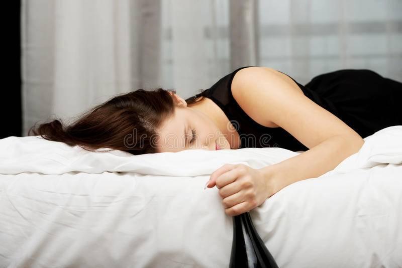 Сонник женщина видит пьяную женщину. к чему снится женщина видит пьяную женщину видеть во сне - сонник дома солнца