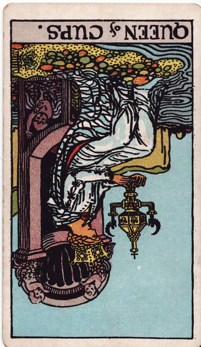 Королева кубков таро — значение карты в раскладах