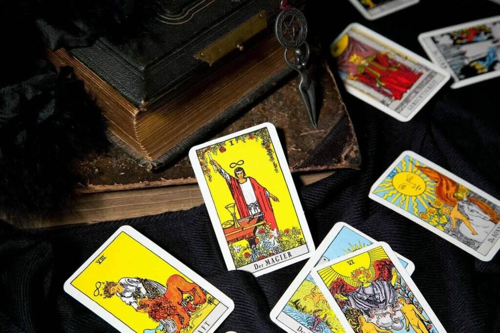 Таро пирамида влюбленных на 4 карты: гадание на отношения, значения карт - мой храм