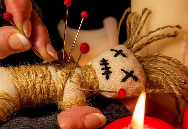 Магия Вуду на богатство и денежная кукла