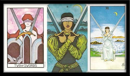 Двойка мечей таро: значение в отношениях, любви, сочетание с другими картами, перевернутая