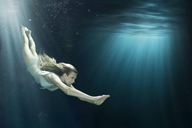 Тонуть в воде приснилось ночью: к чему?