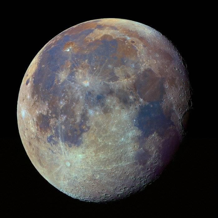 Почему луна становится красная: что это означает