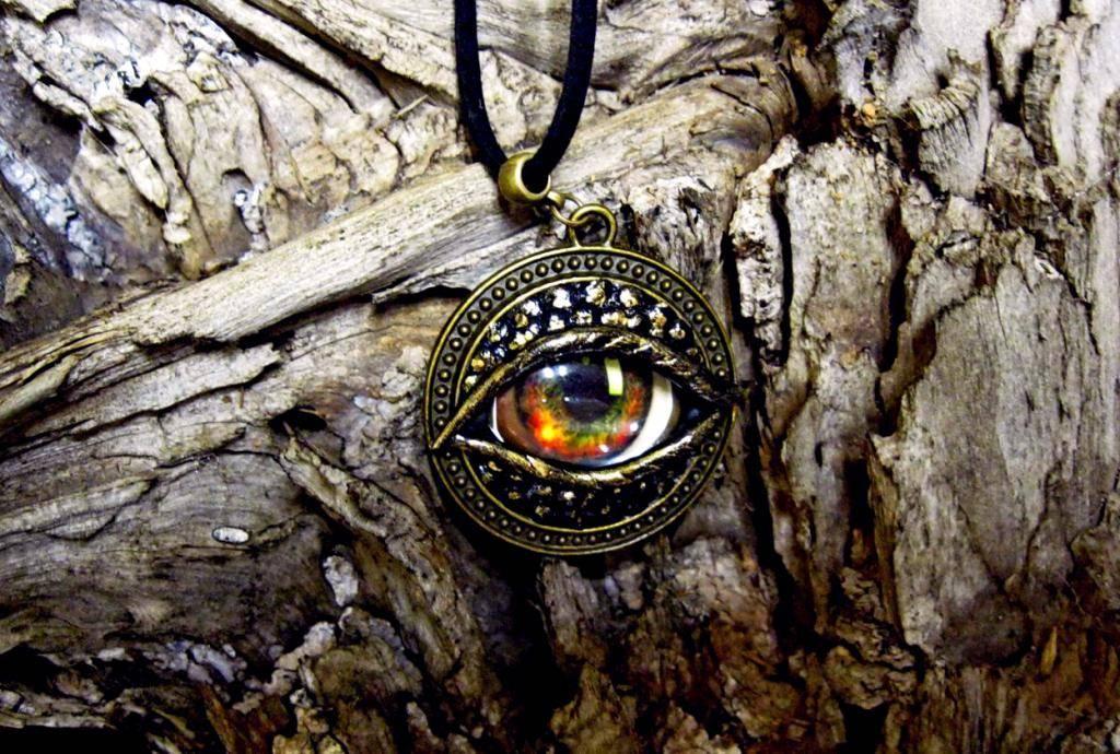 Славянский амулет змеевик: истоки возникновения и значение