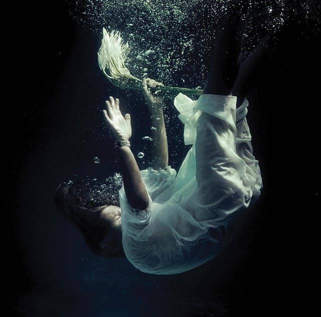 К чему снится тонуть по соннику? видеть во сне, что вы тонете  - толкование снов.